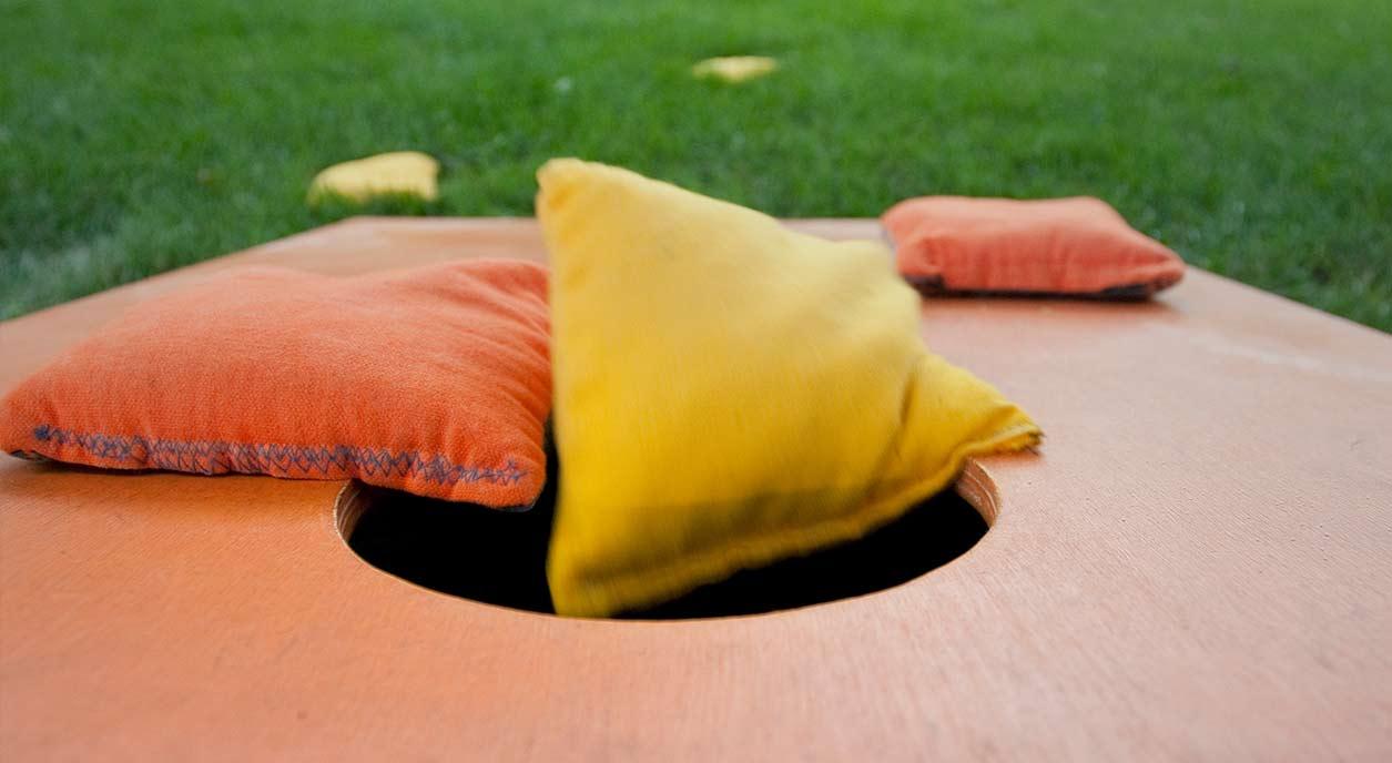cornehole-game
